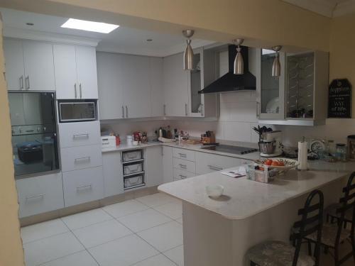 Kitchen Facelift - 30