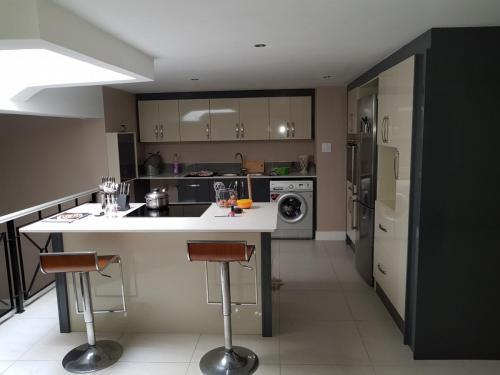 Kitchen High Gloss 36